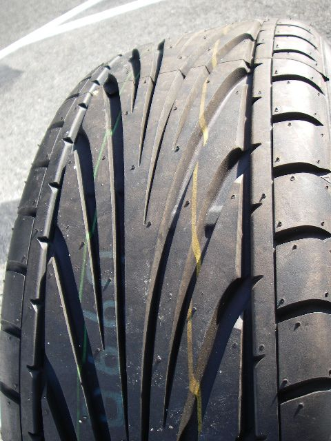 TOYOタイヤ PROXES T1R 195/45R16
