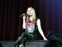 Avril Lavigne  The Black Star tour ☆★