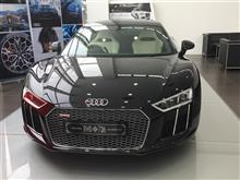 "世界で一台の ""The Audi R8 Star of Lucis"""