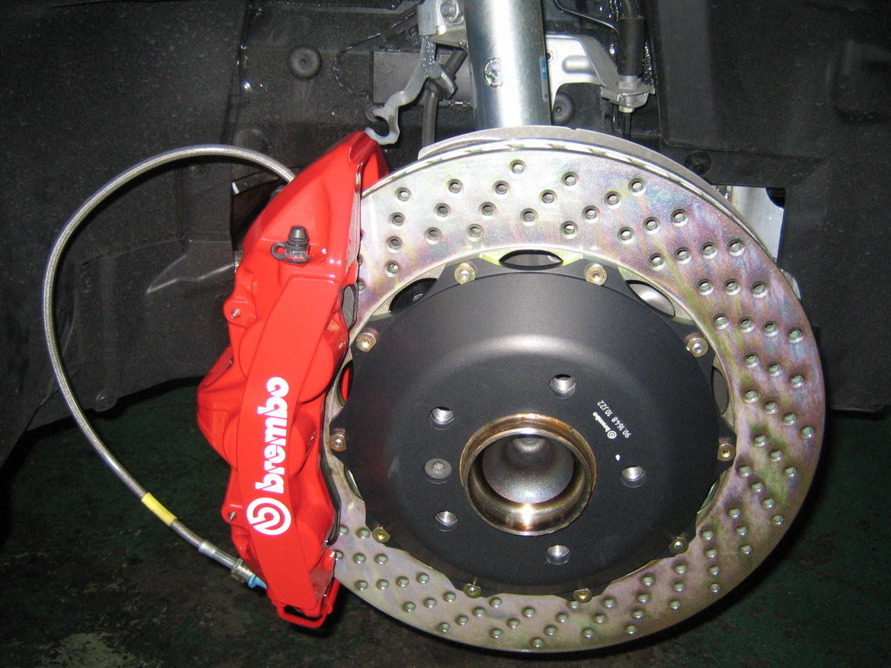 brembo GT kits の取り付け(1)