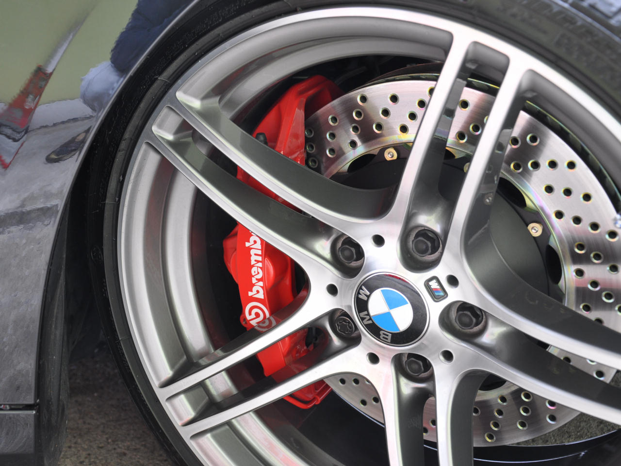 brembo GT kits の取り付け(2)
