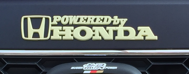 POWERED by HONDAの塗装。