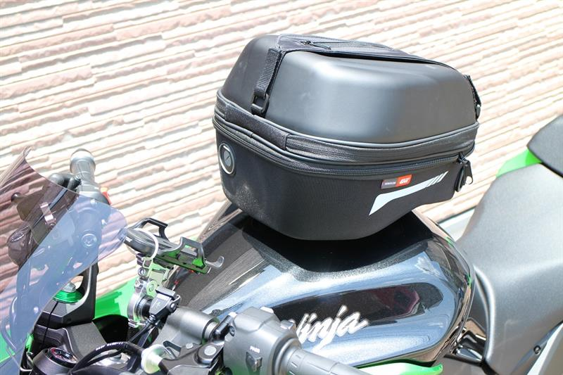 GIVI イージーロック BF04 取付