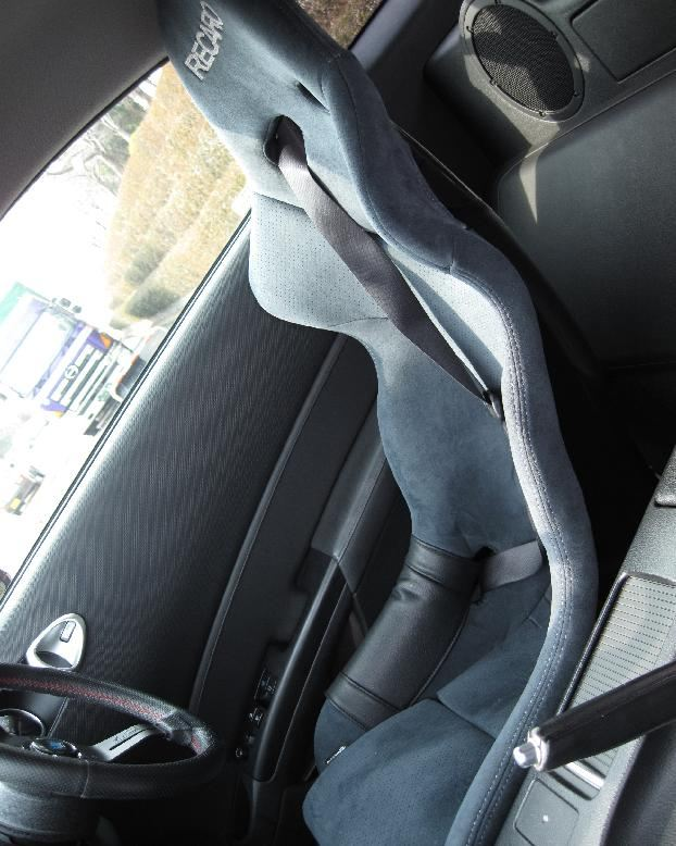 RECARO RS-G ALCANTARA Version