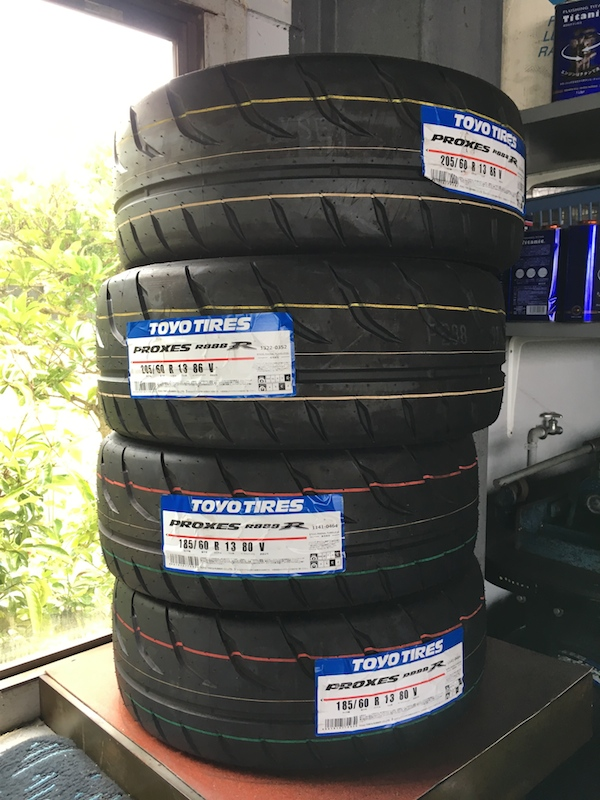TOYO TIRES PROXES PROXES R888R サイズ不明