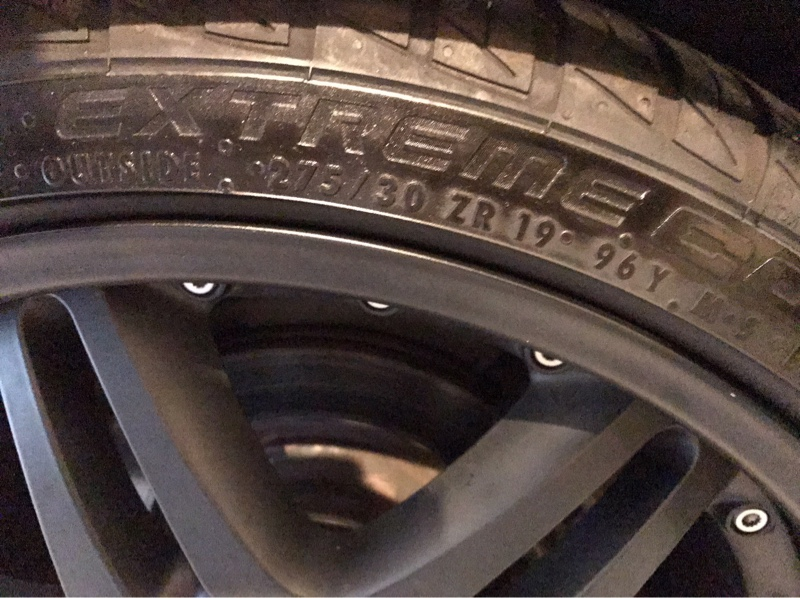 Continental ExtremeContact DW 275/30ZR19