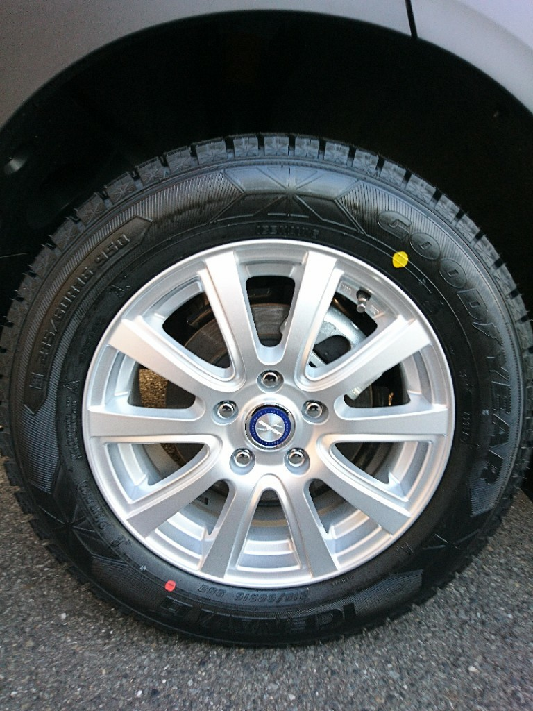 GOODYEAR ICE NAVI 6 215/60R16