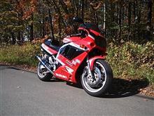 カズ兄さんのGSX-R1100 左サイド画像