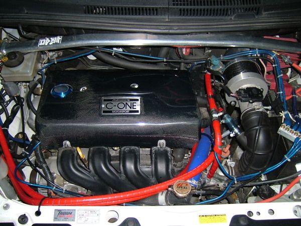 C-ONEのカボボンに<br /> <br /> C-ONEのエンジンカバー<br /> <br /> 黒光りしてますね!<br /> <br /> C-ONEごひいきに~