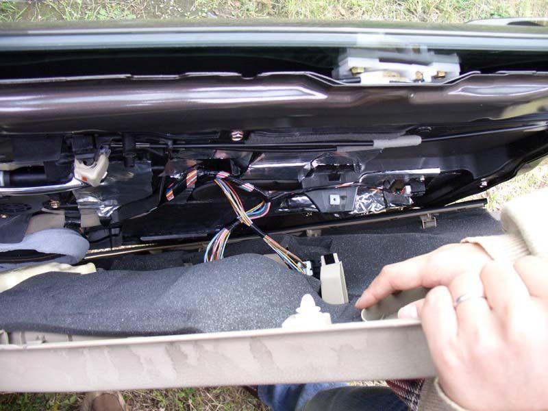 自動格納ミラーユニットの取り付け(1)