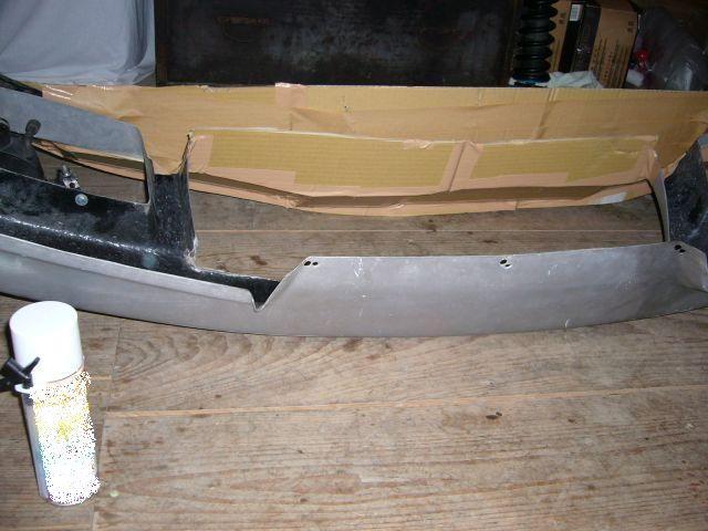 成功するか? R32社外バンパー修理