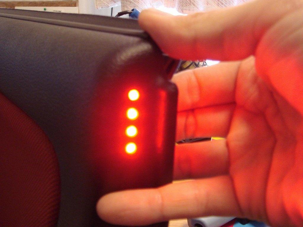 点灯状態。<br /> <br /> 今回はLUMILEDS製LED使用ですが、<br /> 70mA仕様ですし相当明るいです。