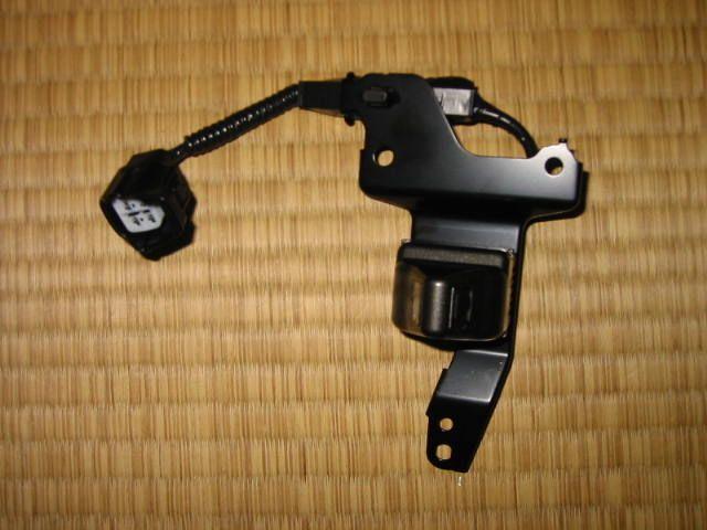 ブラインドコーナーモニタ(フロントカメラ)の取り付け(その1)