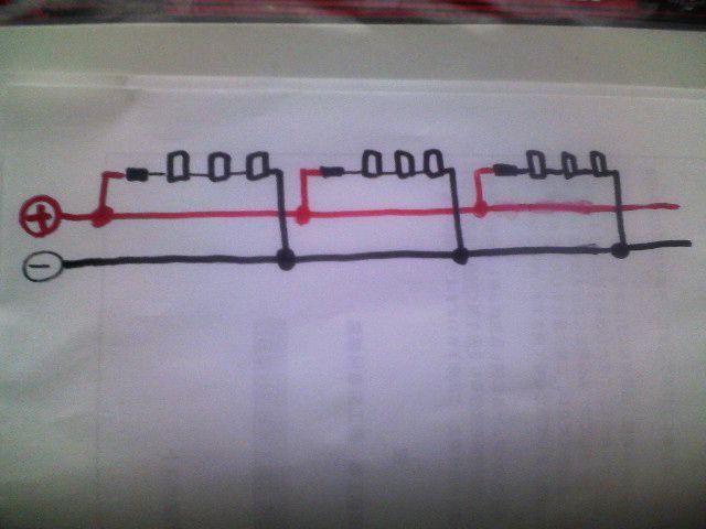 配線を繋いでるところを撮り忘れてしまいました。<br /> こんな感じで繋いでいきます。