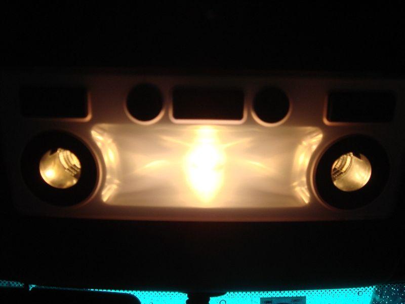 5シリーズ ツーリング ルームランプLED化のカスタム手順2