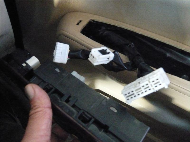 八木澤さんの自作品 自動格納ミラーユニット(JMU01)&ロック連動アダプター(LRA01)の取り付