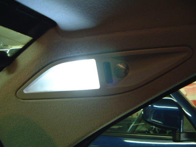 5シリーズ セダン ルームランプのLED化(後部座席編)のカスタム手順1