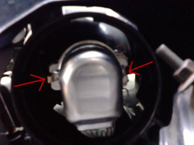 ヘッドライトバルブ交換(HID)