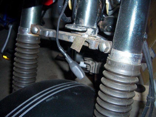バンバン50 RV50■ぽろりと落ちたホーンを取り付けのカスタム手順1