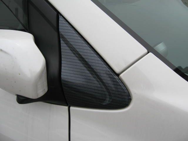 ドアロック連動格納ドアミラー&カーボンカッティングシート貼り付け