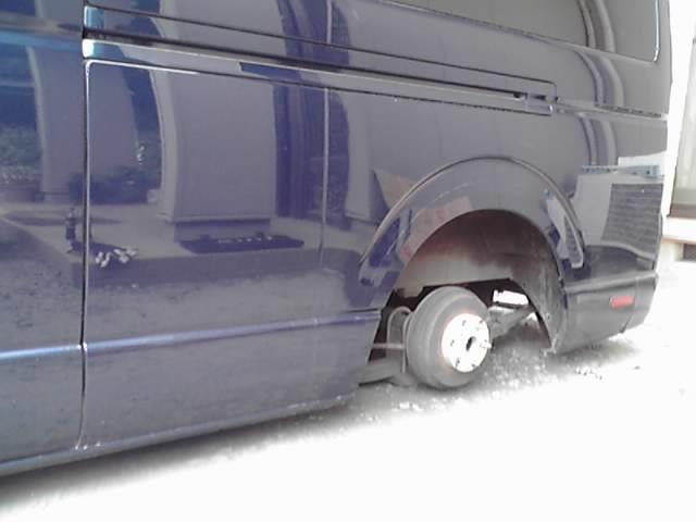 危険なタイヤ交換