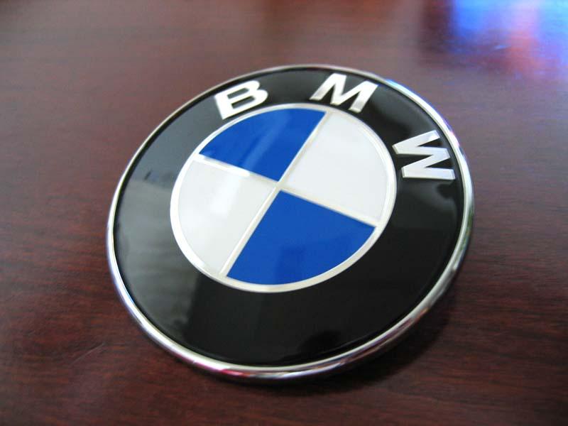 レプリカ? BMWエンブレム