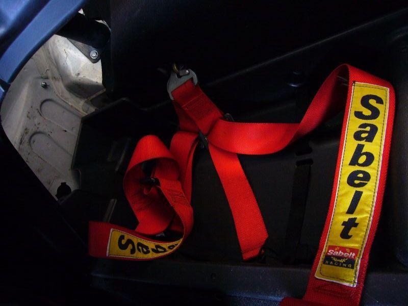 SABELT 4×4シートベルト