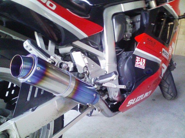 GSX-R1100K-FACTORY moto GPサイレンサーの単体画像