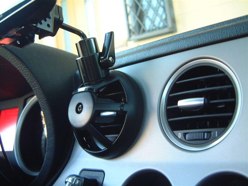 Tech  Vision トヨタ丸形エアコンルーバー取付基台