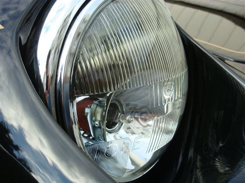ヨーロッパアウトデルタ製 W反射 ヘッドランプの単体画像
