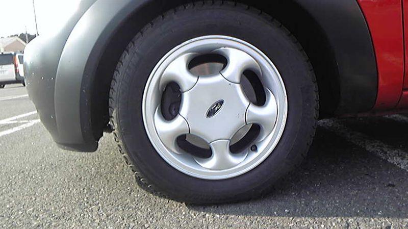 Kaフォード純正OP 5本スポークアルミホイールの単体画像