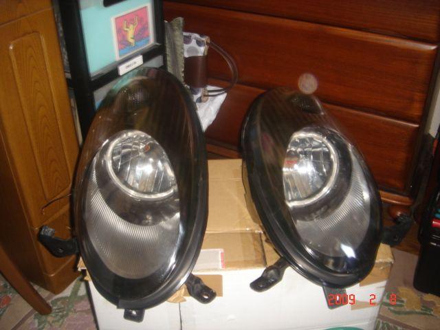 マーチBOXヘッドライトブラック塗装 カラ割2回目の単体画像