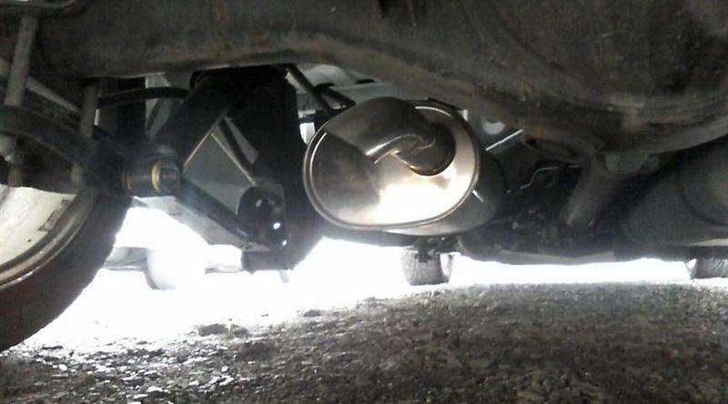 ハイラックストラックPPPA 98~03 Hilux 147 ダブル&レギュラー キャブ用 マフラーの単体画像