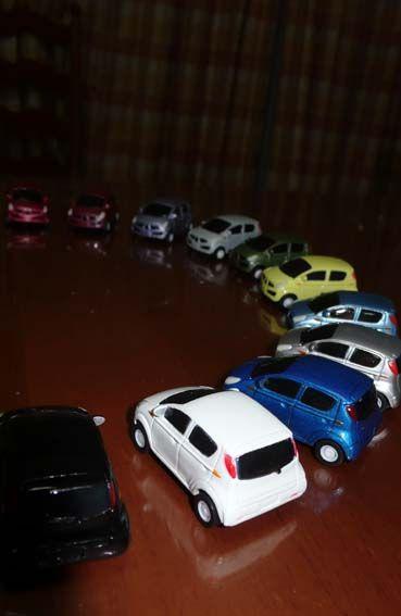 SUBARU ご成約記念11色ミニカー