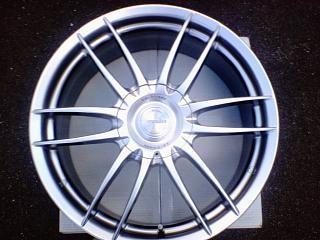 ランサーワゴン阿部商会 La Strada Praudes 15inch×6.5J  offset+38 8Hの単体画像