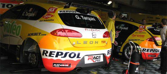 SEAT Leon TDI Gabriele Tarquini(ガブリエル・タルクイーニ)号、Rickard Rydell(リカルド・リデル)号