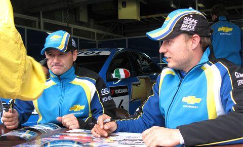 シボレーのNicola Larini(ニコラ・ラリーニ)とRobert Huff(ロバート・ハフ)