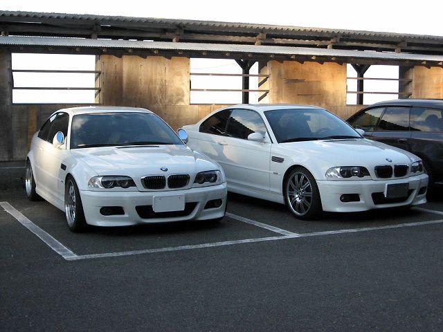 左:マッサ号。<br /> <br /> E46 M3<br /> アルピンホワイト<br /> <br /> 右:soze!号。<br /> <br /> E46 M3<br /> アルピンホワイト