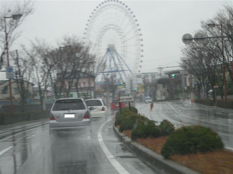 翌朝・・・・<br /> <br /> <br /> <br /> やはり雨模様(今は)。集合場所へ変態走行で向かいます。先頭が赤アブ号・徳さん号・ポチ号です。
