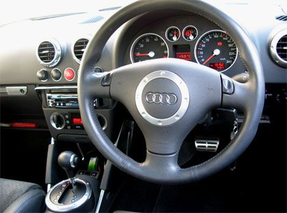 Audi TT Coupe S-line Limited (GH-8NBVR)インパネまわり