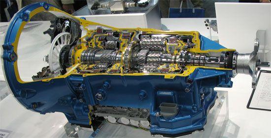 アイシンAW 高容量FR8速オートマチックトランスミッション