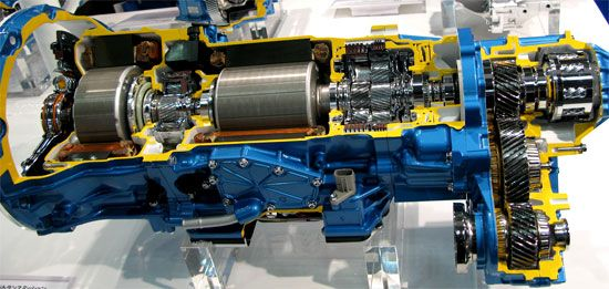 アイシンAW 4WDハイブリッドトランスミッション