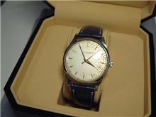 古い腕時計を修理に・・・