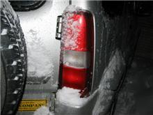 LEDテールランプと吹雪