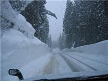 SKIの帰り道も大雪