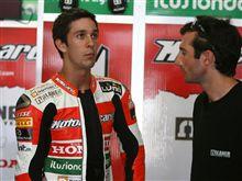Kawasaki、体制変更とスペインの新鋭と契約