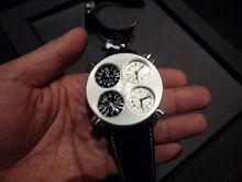 発見! 超クルマバカ時計?