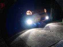 ヘッドライト追加工と純正フォグをHID化