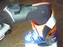 スキーブーツ当り修正
