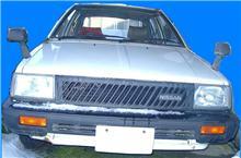 現役の前期型K10マーチ5ドア